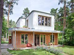 In diesem Atelierhaus verschmelzen Drinnen und Draußen, Offizielles und Privates, Natur und Kunst dank der dafür geschaffenen Architektur.