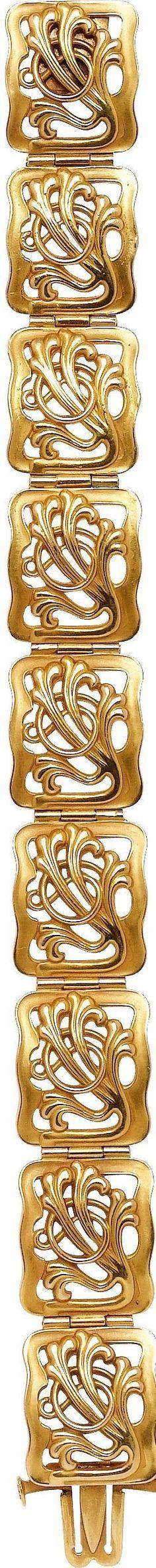 Art Nouveau Gold Bracelet The 14k gold bracelet weighs 29.19 grams. #GoldJewelleryArtNouveau