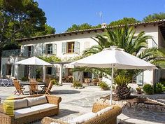 Magnifica Villa Señorial situada en una de las zonas mas exclusivas de MallorcaAlquiler de vacaciones en Formentor de @homeaway! #vacation #rental #travel #homeaway