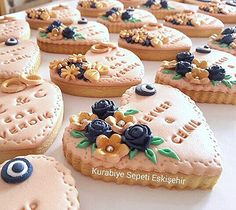 Cookie Wedding Favors, Pasta, Sugar, Cookies, Desserts, Food, Decorated Cookies, Jewels, Tailgate Desserts
