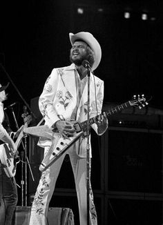 I think - not sure] Billy F Gibbons, Gibson Flying V, Guitar Photos, Zz Top, Rockn Roll, Best Rock, Blues Music, Cool Guitar, Jimi Hendrix