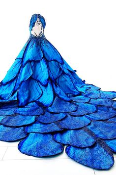 Frozen Times - fashion-runways: MAK TUMANG Blue Morpho dress … – Frozen Times Source by moschnorr - Morpho Bleu, Blue Morpho, Beautiful Gowns, Beautiful Outfits, Cute Dress Outfits, Fantasy Gowns, Fairy Dress, Costume Design, Pretty Dresses