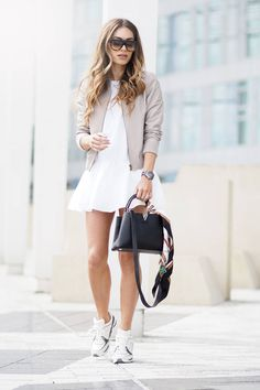 My Guide to taking the Perfect Outfit Shots Lydia Elise Millen waysify
