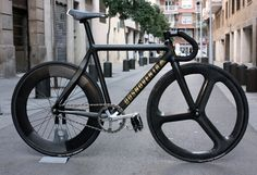Am in love with Dosnoventa bike frames, this is so epic!