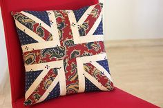 Bonjour Quilts: Square Union Jack Patchwork Cushion - a quick tuto...