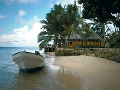 Matangi beach and bar