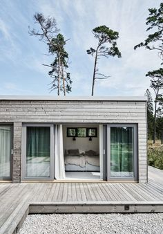Good news for home decor enthusiast.If you are looking for 36 excellent summer house design ideas to try asap you've come to the right place. Architecture Durable, House Architecture, Beach House Decor, Beach Houses, House Rooms, Living Rooms, Villas, Exterior Design, Facade Design