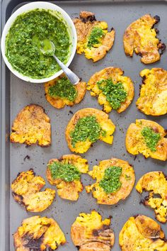 Crispy Vegan Smashed Potatoes with Chimichurri Crispy Vegan Smashed Potatoes with Chimichurri. These Smashed potatoes are baked to a crisp & served with fresh homemade parsley chimichurri.Glutenfree Nutfree Soyfree Recipe Source by simplyquinoa Crispy Smashed Potatoes, Vegan Mashed Potatoes, Vegan Vegetarian, Vegetarian Recipes, Healthy Recipes, Vegan Food, Free Recipes, Delicious Recipes, Polenta