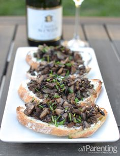 Mushroom and goat cheese crostini paired with sparkling wine