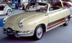 La Panhard et Levassor Dyna Type Z cabriolet, cette ancienne voiture fut construite de 1955 à 1959, la Panhard et Levassor Dyna Z de 1955 me...