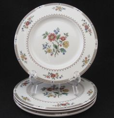 For a romantic or floral table setting. | Kingswood by Royal Doulton