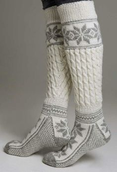 Knestrømper - Viking of Norway Winter Wear, Autumn Winter Fashion, Winter Socks, Warm Socks, Cozy Winter, Comfy Socks, Winter Sweaters, Fashion Business, Boot Socks