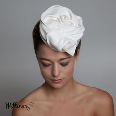 Pillbox Hats   Jackie-O and Audrey Hepburn made pillbox hats into icons. From small pieces perched saucily on the side of the head to more dramatic ones that sit on the back of the head, there are so many to choose from. The vintage wearer can still find a 1960s pillbox that looks modern and