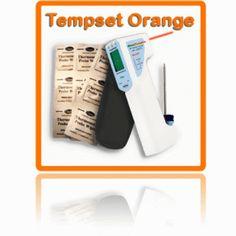 http://termometer.dk/for-fodevarer-r55632/tempset-orange-10-99-TEMPSETORANGE-r55689  TempSet Orange  Vores seneste instrument Food Temp, for egenkontrol af fødevarer, der er både vandtæt (IP65) og har indbygget lommelygte, der lyser det objekt, der måles. Food Temp kan både foranstaltning temperatur ved hjælp af infrarød (berøringsfri) og føler for penetration, kernetemperatur. Lysdioder markerer hvis målingen er inden for eller uden for de sikre grænser for fødevarer. Rengør føleren...
