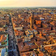 Bologna is one of Italy's most underrated cities, but foodies have been traveling here for years to taste the cities best dishes. Photo courtesy of brianthio on Instagram.