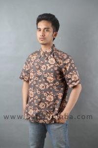 Hubungi 0812 8110 6669 Batik Nulaba. Beli Gaun Batik Cantik Model Baju Batik Madura.Toko baju batik dengan harga terjangkau.Mau?  Beli Gaun Batik Cantik Model Baju Batik Madura. Awalnya Batik Indramayu hanya memiliki dua warna, yakni warna kain danwarna motif. Warna motif pun masih tradisional, seperti biru tua atau coklat tua. Kini warna-warna pada Batik Indramayu lebih beragam. Ciri yang menonjol dari Batik Indramayu adalah ragam flora dan fauna diungkap secara datar, d