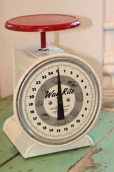Vintage Way-Rite scale. I want this for my kitchen!