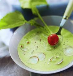 Comment faire un gaspacho aux radis ? Une recette originale et légère qui permet de faire le plein de vitamines. Ce potage froid va ensoleiller votre repas.