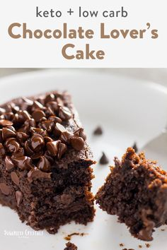Easy keto chocolate cake using almond flour and coconut flour. Perfect when you have a sweet tooth and want to stay low carb, keto and paleo friendly. This is the best chocolate cake around with a moist and fudgy texture. You won't believe it's gluten free!#glutenfreecake #ketocakerecipes #chocolatecake #bestketochocolate #keto #paleo Low Carb Chocolate Cake, Chocolate Flavors, Chocolate Desserts, Almond Flour Chocolate Cake, Coconut Flour Cakes, Coconut Flour Recipes, Sugar Free Cookies, Sugar Free Desserts, Keto Cookies