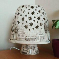 "Gefällt 24 Mal, 4 Kommentare - Marta Vítková (@vitkmarta) auf Instagram: ""#keramika #ceramics #lampa #home #homedecor #hlina #pottery"" Ceramic Boxes, Ceramic Clay, Ceramic Plates, Slab Pottery, Ceramic Pottery, Thrown Pottery, Pottery Wheel, Pottery Vase, Paper Clay"