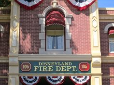 30 Disneyland Secrets You Don't Know....I knew most but there were a few new ones.