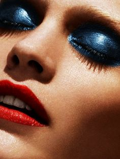 Heidi Mount smolders in a stunningly vivid beauty shoot photographed by Marcus Ohlsson for the spring-summer issue of Vs. Love Makeup, Makeup Inspo, Makeup Inspiration, Beauty Makeup, Makeup Looks, Hair Makeup, Makeup Eyes, Night Makeup, Colour Inspiration