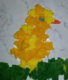 Pasqua. Pulcino con carta velina.