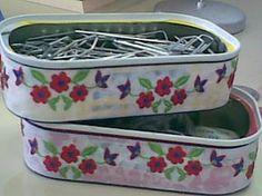 São do meu blog , vem conhecer :  http://casascoisaseoutros.blogspot.com/2012/02/reciclagem-latas.html