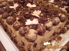 Recept za Najlepšu čokoladnu tortu. Za spremanje torte neophodno je pripremiti jaja, šećer, brašno, kakao, čokoladu, ulje, prašak za pecivo, orah, mleko, puter, puding, slatku pavlaku, puter.