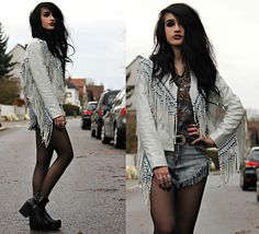 Tessa Diamondly - Spell Designs Hendrix Leather Jacket, Vintage Harley Davidson Tee - Excuse me while I kiss the sky.