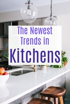 A look at some of hr hottest new kitchen trends around that will give your kitchen a refresh, update and makeover to make your home and the heart of your home look amazing. Kitchens matter so much and here is how to get your looking great with the newest kitchen trends in design and decor #kitchen #kitchens #kitchendesign #kitchentrends Beautiful Kitchens, Beautiful Homes, Latest Kitchen Trends, Minimalist Kitchen, Black Kitchens, Minimal Design, New Kitchen, Design Trends, Minimalism