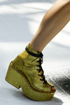 Kenzo Spring 2017 Menswear Fashion Show Details gold glitter lace up chunky boot