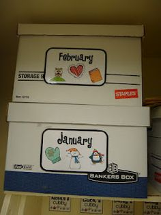 - Labels on boxes would be awesome to save your class decorations for each month and work your way through the school year! First Grade Garden: Classroom Organization. FREE labels for art, math, library, monthly and schedule. Classroom Organization Labels, Organizing Labels, Classroom Labels, Organization And Management, Classroom Setup, Classroom Design, School Organization, Future Classroom, Classroom Management