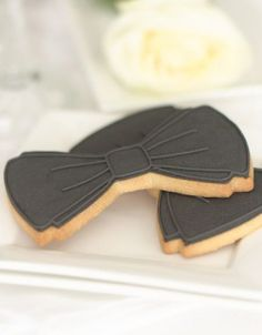 http://www.thecakeparlour.com/wp-content/uploads/2011/01/Bow-tie-Cookies-300x384.jpg