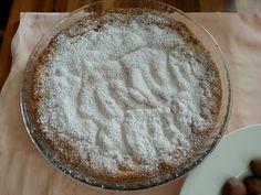Crostata di frolla bianca con marmellata di uva spina e mele