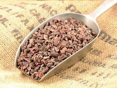 Raw Cacao Benefits, Cacao Powder Benefits, Food Packaging Materials, Whole Food Recipes, Dog Food Recipes, Healthy Recipes, Quinoa, Raw Cacao Nibs, Raw Cheesecake