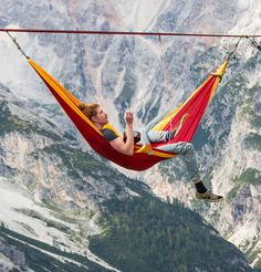 People At This Festival Slept On Hammocks Hanging Hundreds Of Feet Above The Italian Alps | Bored Panda