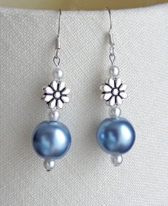 Daisy & light blue earrings - to match necklace #diyjewelry
