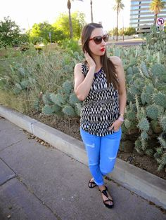 Black & White Printed Tank + Distressed Jeans + Sandals + Red Lipstick #makeup #outfit #style #blog