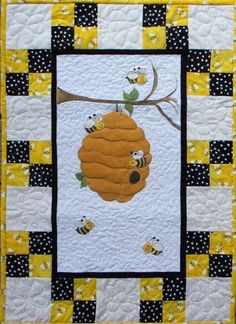 Custom Made Just For Your Baby Bumble Bee by ThePolkaDotRabbits Baby Quilt Patterns, Quilt Baby, Small Quilts, Mini Quilts, Quilting Projects, Quilting Designs, Baby Bumble Bee, Panel Quilts, Quilt Blocks