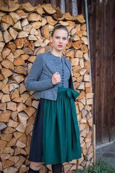 Dirndl Lilie LodenHirsch Folk Style, Folk Fashion, Vintage, Maid, Work Attire, Bodice, Lilies, Dirndl, Chic