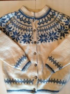 Vintage Scandinavian Dale of Norway Wool Sweater Cardigan / Blue White Nordic Snowflake Pattern / Vintage Scandinavian Folk Knit Lace Patterns, Vintage Patterns, Fair Isle Pullover, Fair Isle Knitting Patterns, Christmas Knitting, Wool Sweaters, Baby Knitting, Knitwear, Knit Crochet