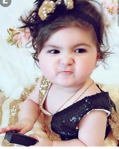 Funny baby - fine image Cute Little Baby, Little Doll, Baby Kind, Little Babies, Baby Love, Cute Kids Pics, Cute Baby Girl Pictures, Cute Girl Pic, Beautiful Children
