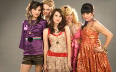 Click here to download in HD Format >>       Emma Roberts Amp Wild Child Cast    http://www.superwallpapers.in/wallpaper/emma-roberts-amp-wild-child-cast.html