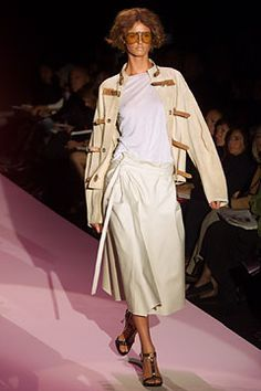 Gucci - Spring 2002 Ready-to-Wear - Look 8 of 44