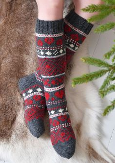 Tekstiiliteollisuus - teetee Salla Wool Socks, Knitting Socks, Hand Knitting, Fair Isle Knitting Patterns, Crochet Patterns, Sexy Socks, Thick Socks, Knitting Accessories, Knitting Projects