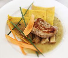 Denné menu Vranov | Steak z panenky s dubákovým prelivom, kukuričné placky - reštaurácia Hotel Patriot*** #hotel #restauracia #dennemenu