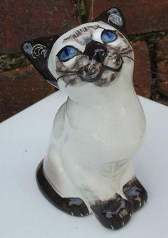 Seneshall Siamese cat figurine GOOD KITTEN English studio pottery ornament