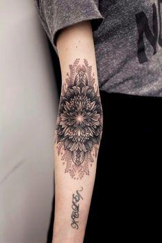 Delicate and PERFECT feminine tattoos ! Photos, templates and ideas - tattoo tatuagem Badass Tattoos, Body Art Tattoos, New Tattoos, Sleeve Tattoos, Female Tattoos, Inner Elbow Tattoos, Upper Thigh Tattoos, Delicate Feminine Tattoos, Tattoo Feminin