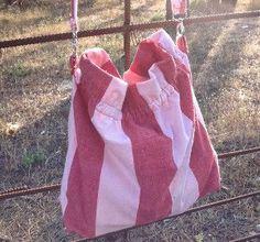 Colorful Canvas Tote Bag sewing pattern #easysewingbag #easybagpattern Diy Messenger Bag, Diy Tote Bag, Easy Sewing Patterns, Bag Patterns To Sew, Sewing Ideas, Craft Patterns, Quilt Patterns, Diy Handbag, Summer Bags
